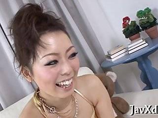 2 азиатки сосут член