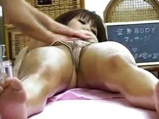 Cекс масаж скрытый камера япон