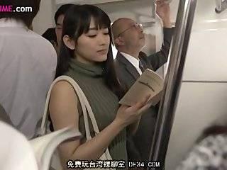 Cмотреть порно к японке пристают в автобусе