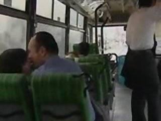 Www.порна японски в автобусе