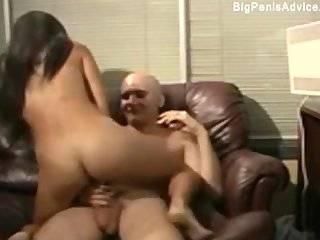 Азиатка в юбке онлайн порно