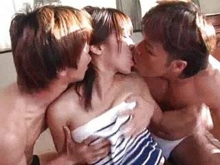 3 азиатки минет онлайн